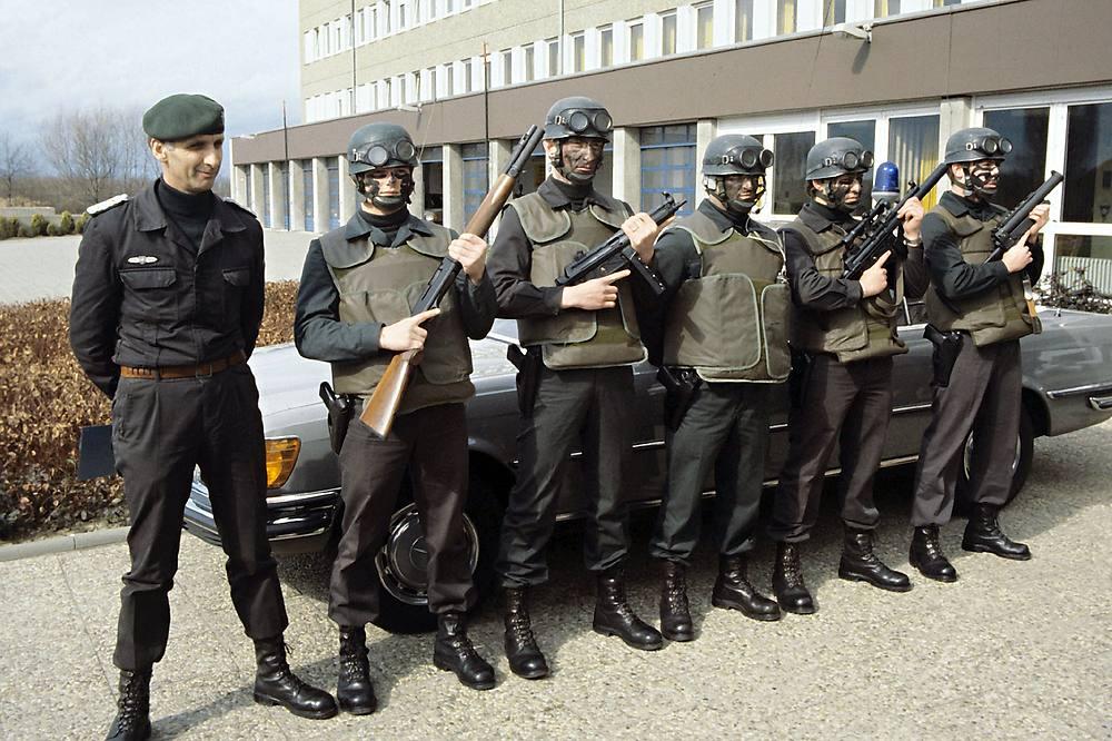 British (German contract) Bristol body armor (refpics wanted) Gsg91910