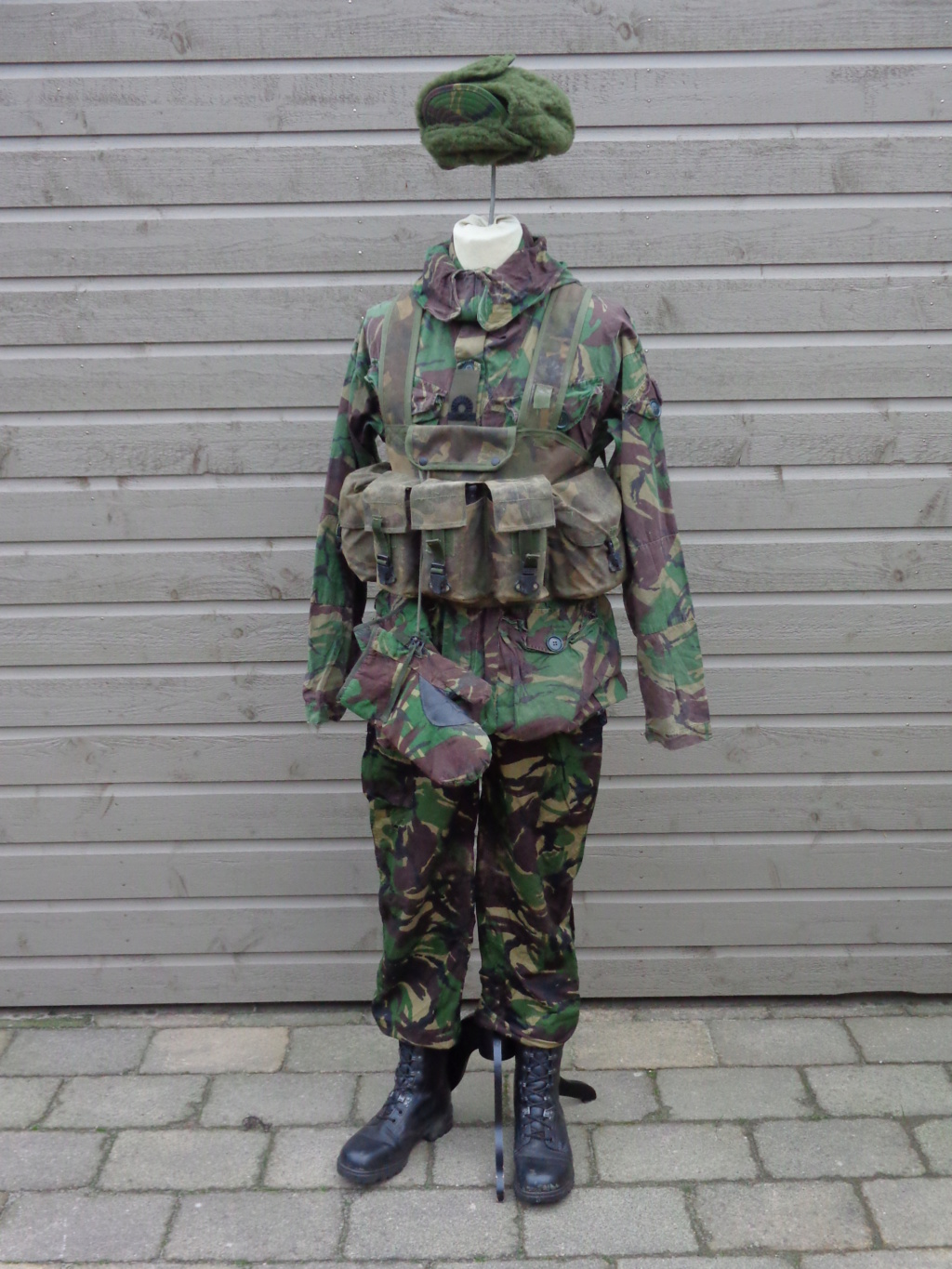 Dutch army loadout displays (cold war era) - Page 3 Nederl17