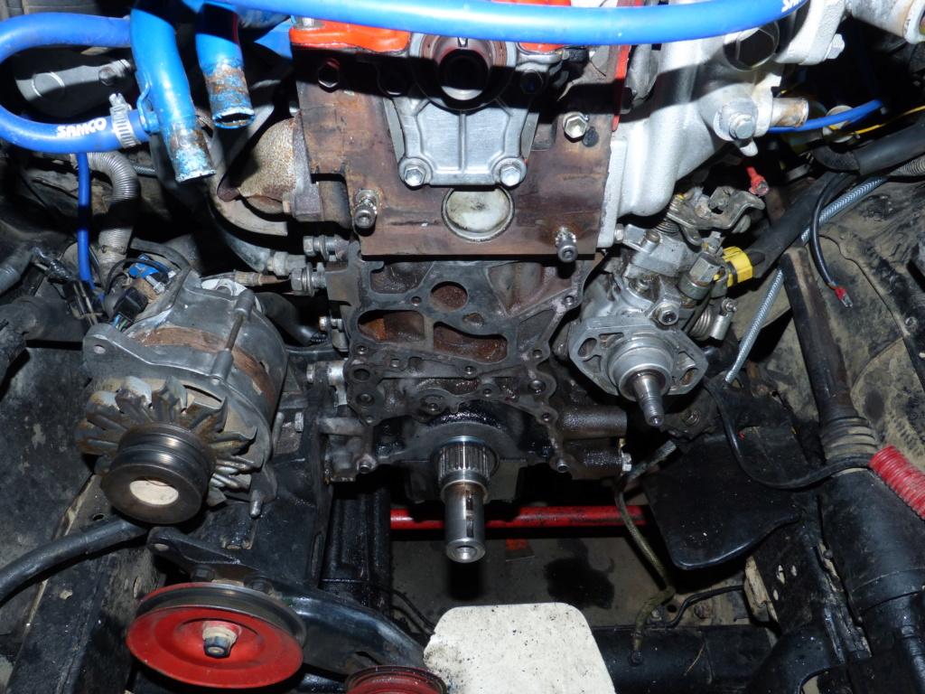 [Résolu] Joint entre bloc moteur et carter de distribution  Toyota25