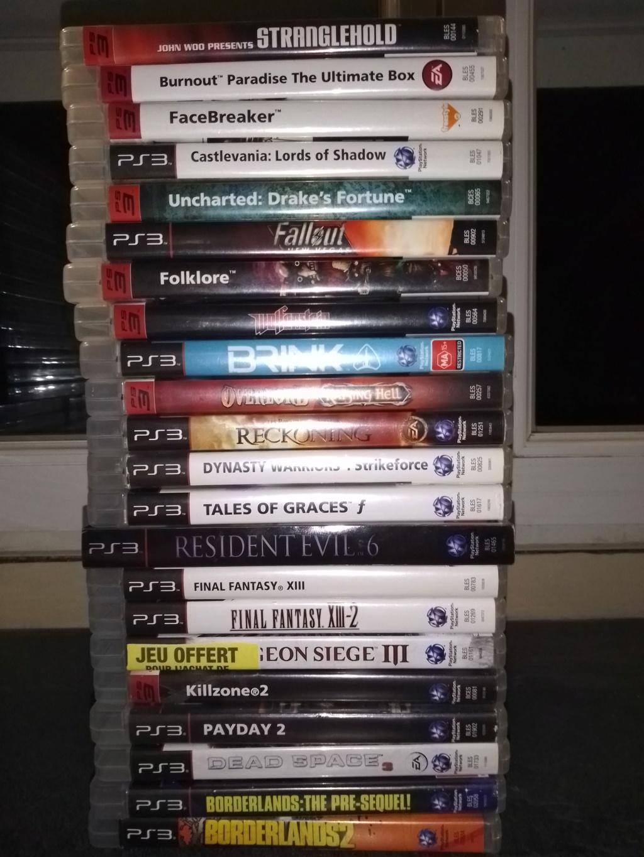 Vente lot PS3 avec 138 jeux + accessoires . 216