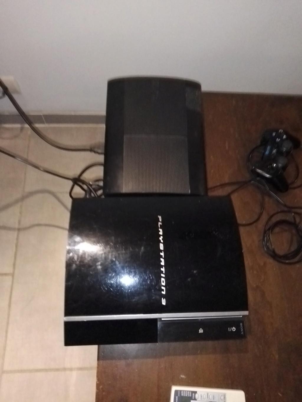 Vente lot PS3 avec 138 jeux + accessoires . 711
