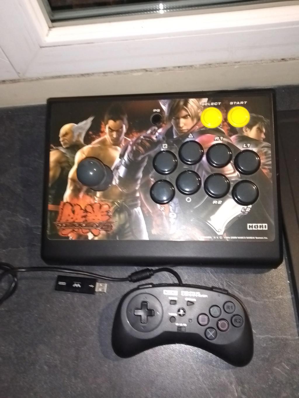 Vente lot PS3 avec 138 jeux + accessoires . 811