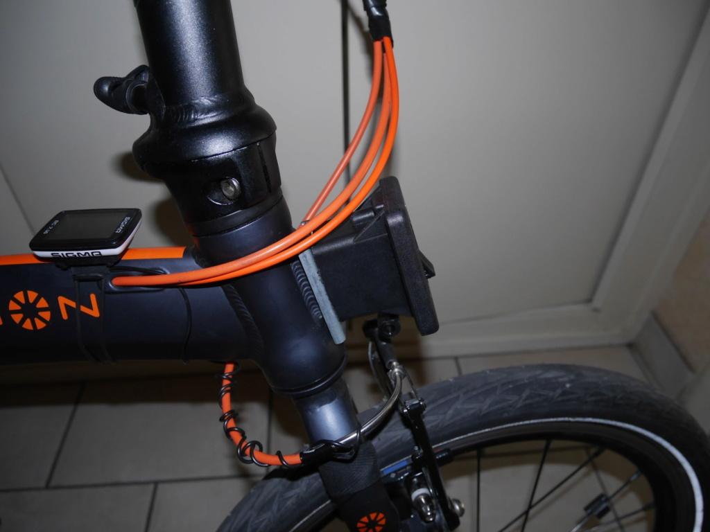 Fixer un sac frontal Brompton sur un vélo pliable d'une autre marque P1040312