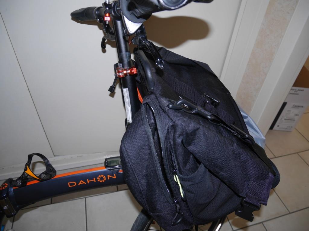 Fixer un sac frontal Brompton sur un vélo pliable d'une autre marque P1040313