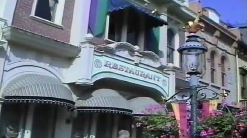 (Histoire) Lilly's Boutique a remplacé une salle du Walt's - An American Restaurant Facade10