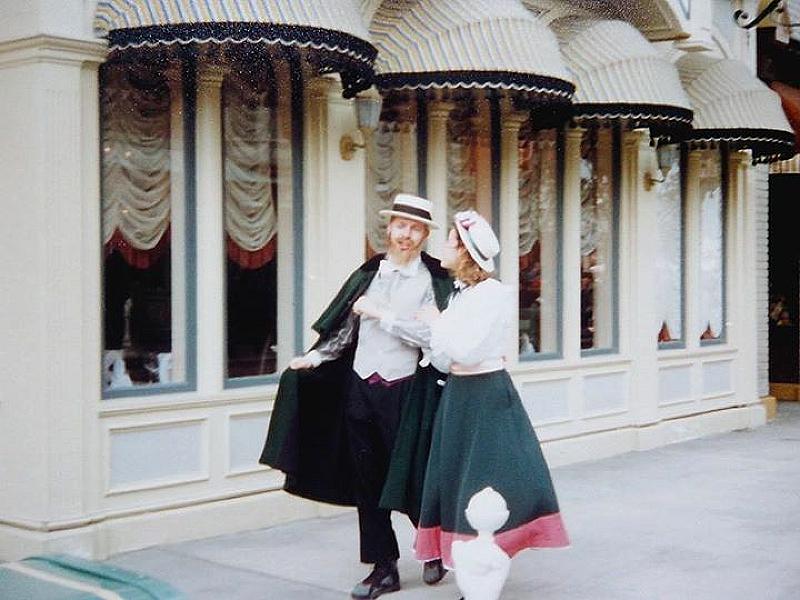 (Histoire) Lilly's Boutique a remplacé une salle du Walt's - An American Restaurant Facade11