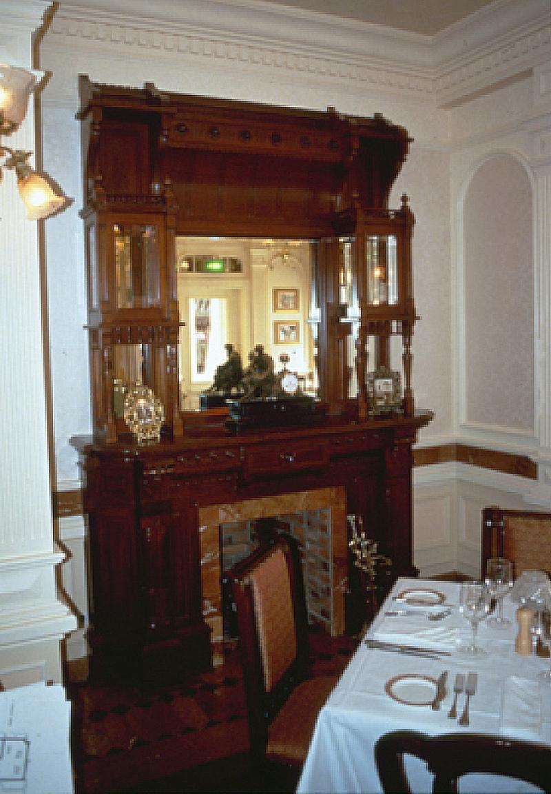 (Histoire) Lilly's Boutique a remplacé une salle du Walt's - An American Restaurant Firepl10