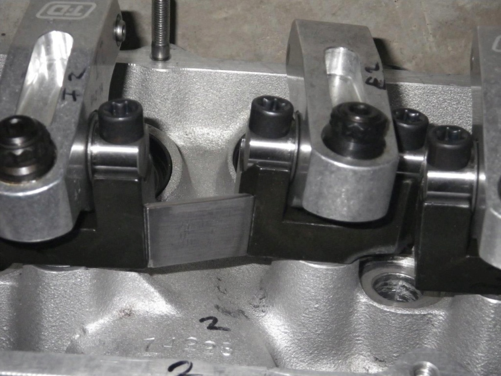 T&D shaft rockers for DO0E-r heads Imgp6011