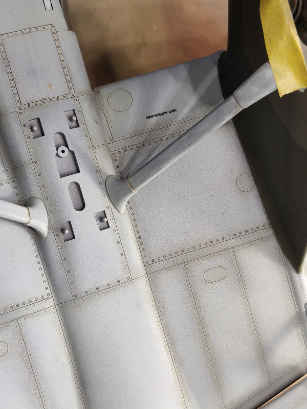 Junker Ju 87-A Stuka 1/24 - Page 9 Img_1452