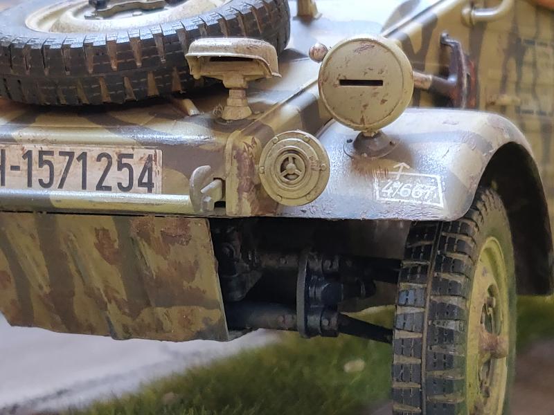 Kübelwagen type 82 1/16 Tamiya - Page 3 Img_2036