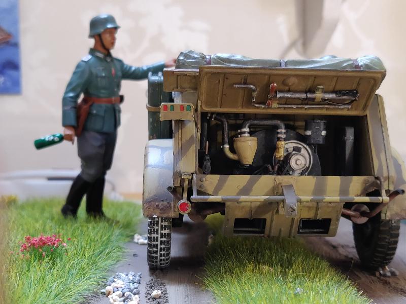 Kübelwagen type 82 1/16 Tamiya - Page 3 Img_2038