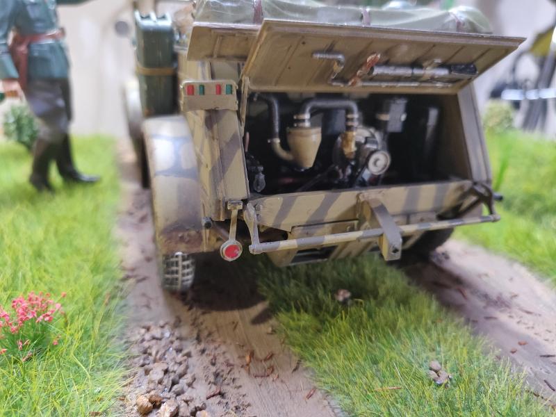 Kübelwagen type 82 1/16 Tamiya - Page 3 Img_2042