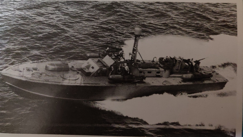 Torpédo boat PT-596 1/35 Italeri Img_2203