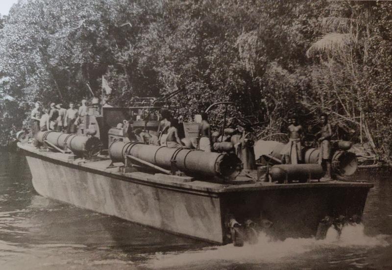 Torpédo boat PT-596 1/35 Italeri Img_2205