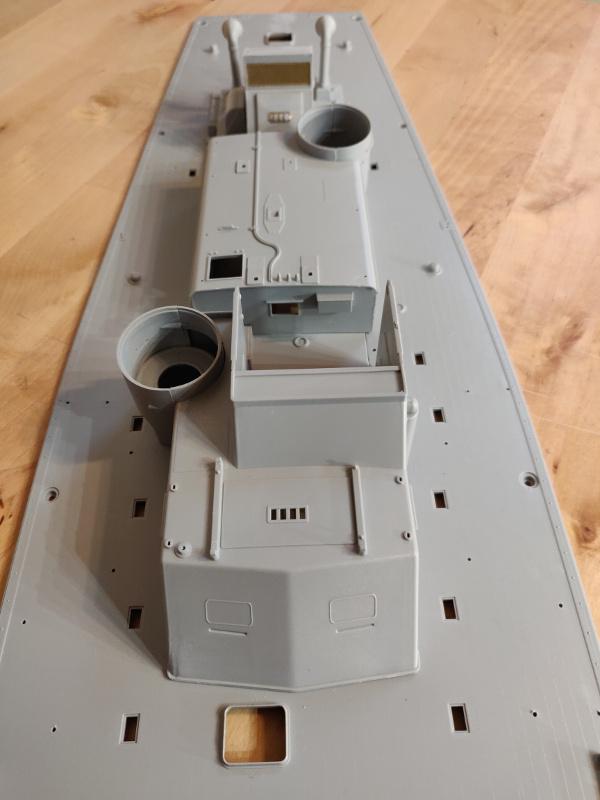 Torpédo boat PT-596 1/35 Italeri Img_2225