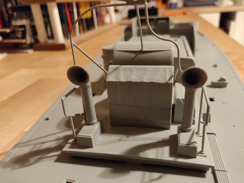 Torpédo boat PT-596 1/35 Italeri - Page 2 Img_2244