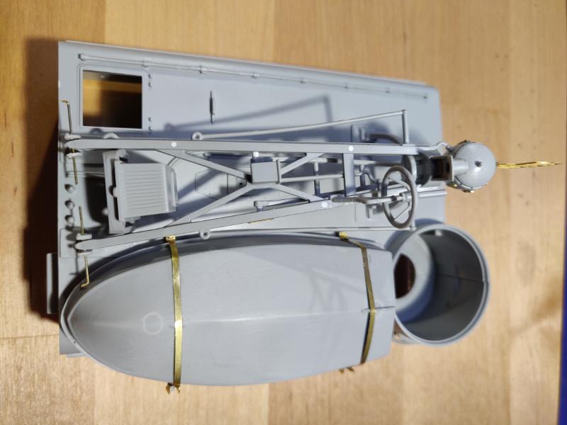 Torpédo boat PT-596 1/35 Italeri - Page 4 Img_2340