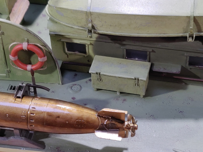 Torpédo boat PT-596 1/35 Italeri - Page 8 Img_2491
