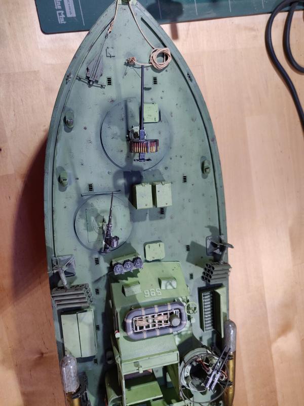 Torpédo boat PT-596 1/35 Italeri - Page 8 Img_2495