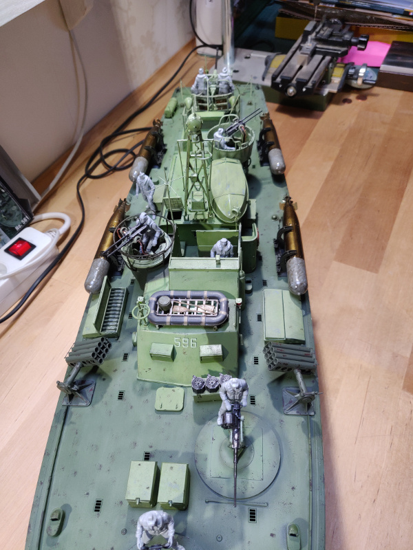 Torpédo boat PT-596 1/35 Italeri - Page 8 Img_2518