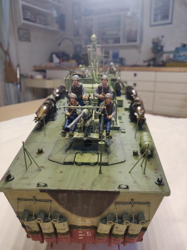 Torpédo boat PT-596 1/35 Italeri - Page 9 Img_2537