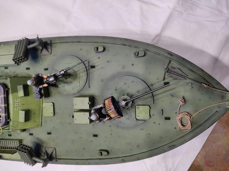Torpédo boat PT-596 1/35 Italeri - Page 9 Img_2546