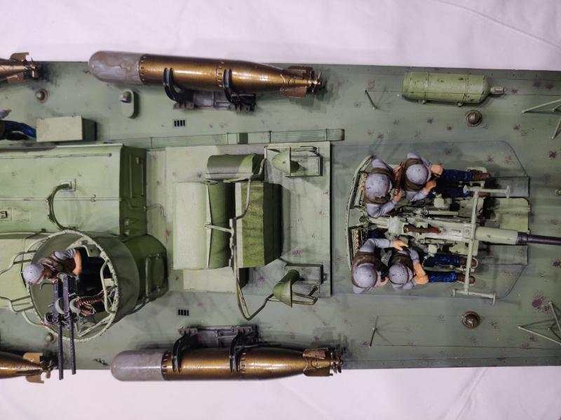 Torpédo boat PT-596 1/35 Italeri - Page 9 Img_2549