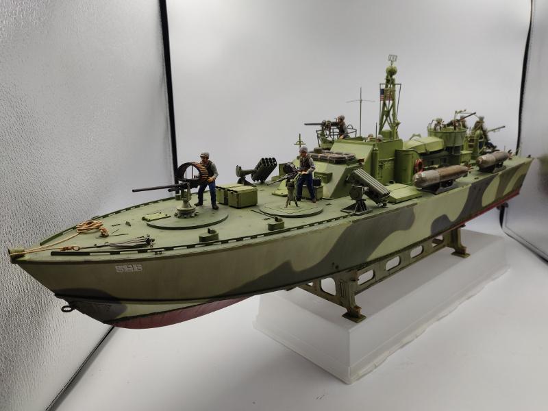 Torpédo boat PT 596au 1/35 terminé Img_2553