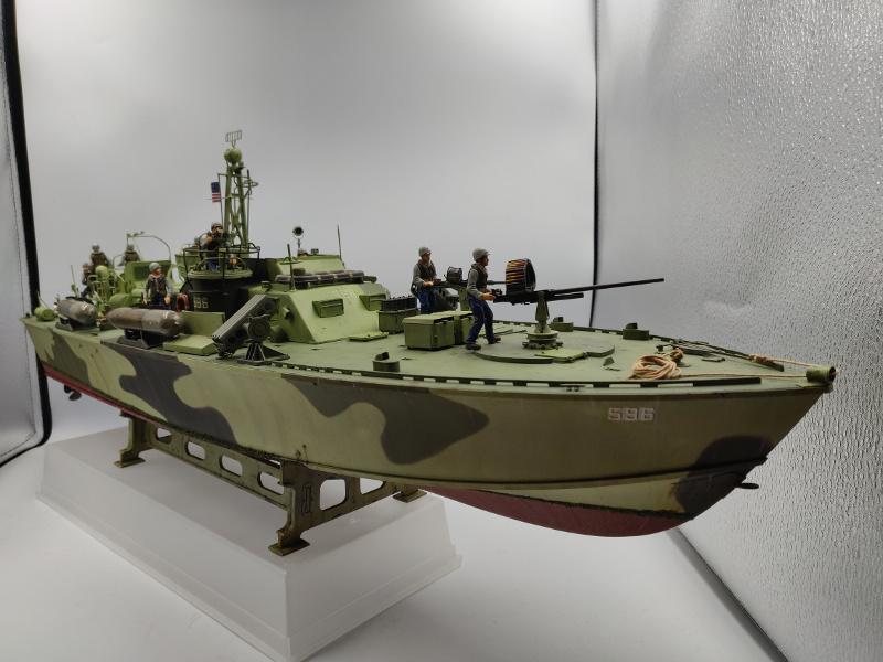 Torpédo boat PT 596au 1/35 terminé Img_2554