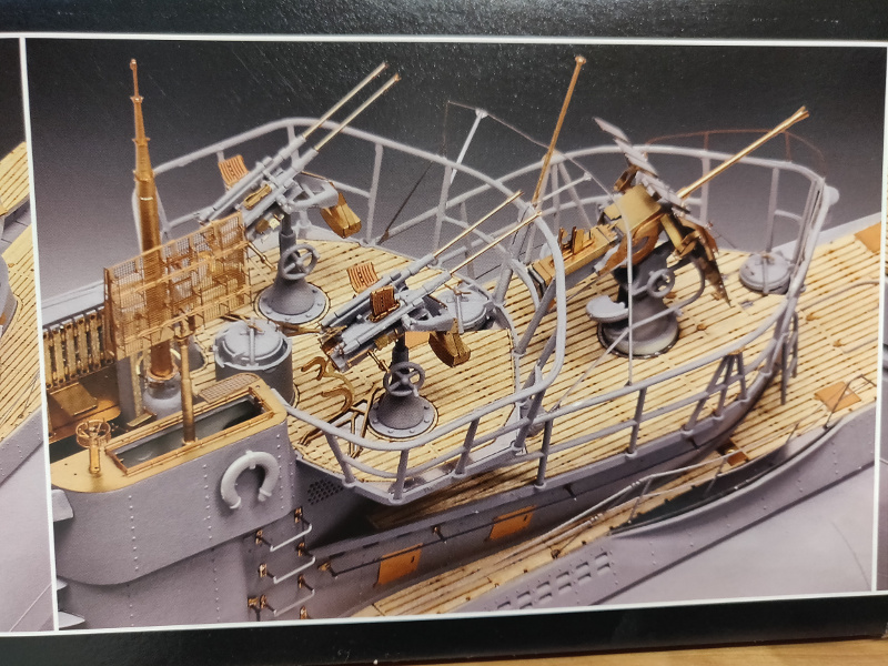 Revue de boîte U-Boat VII C/41 Revell 1/72 édition Platinium Img_3377