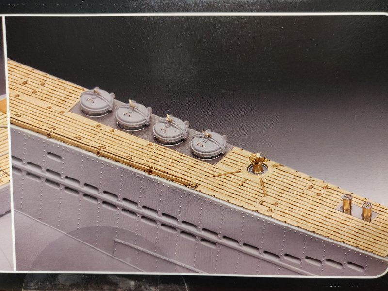 Revue de boîte U-Boat VII C/41 Revell 1/72 édition Platinium Img_3379