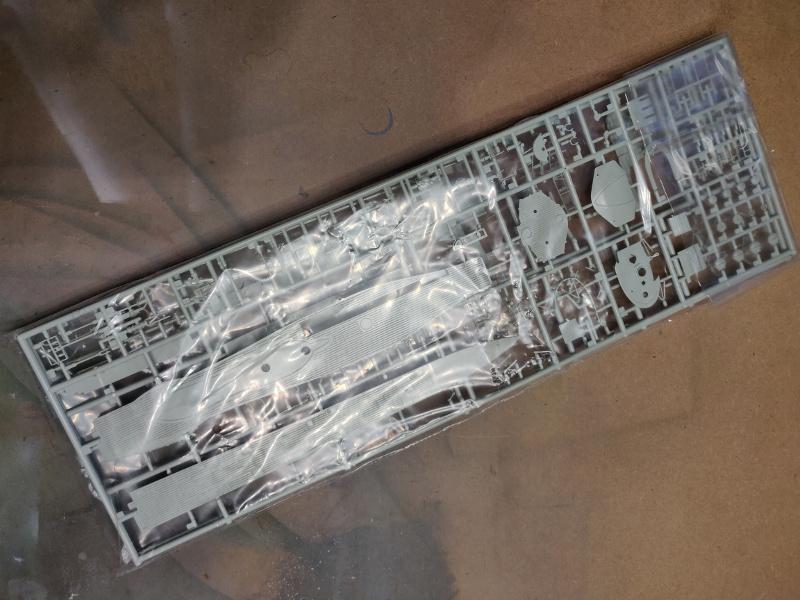 Revue de boîte U-Boat VII C/41 Revell 1/72 édition Platinium Img_3382