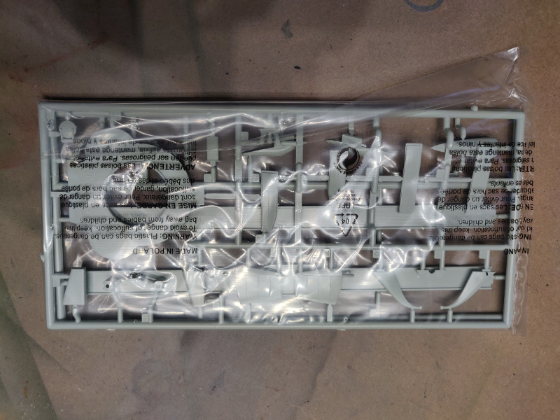 Revue de boîte U-Boat VII C/41 Revell 1/72 édition Platinium Img_3385