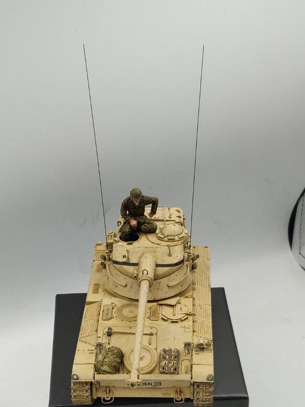 AMX 13/75 opération Mousquetaire Suez 1956 Takom 1/35 + Diorama - Page 5 Img_4078