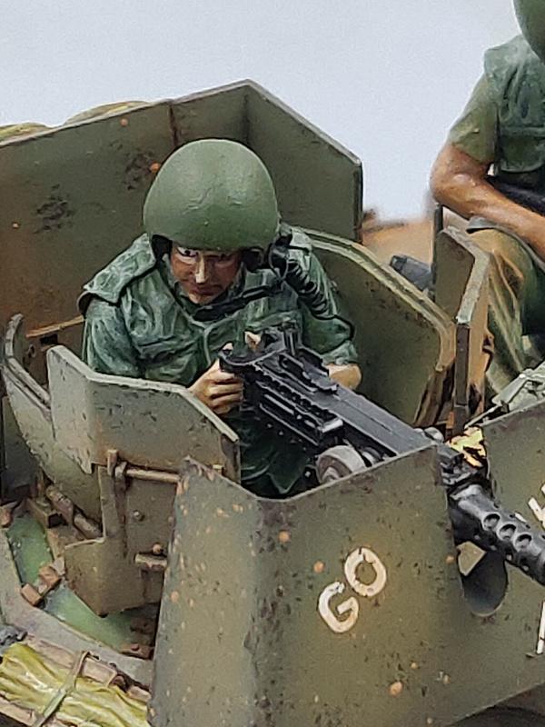 M551 SHERIDAN 1/35 Tamiya. Vietnam 1969 avec Diorama par THIMARIE - Page 5 Img_5607