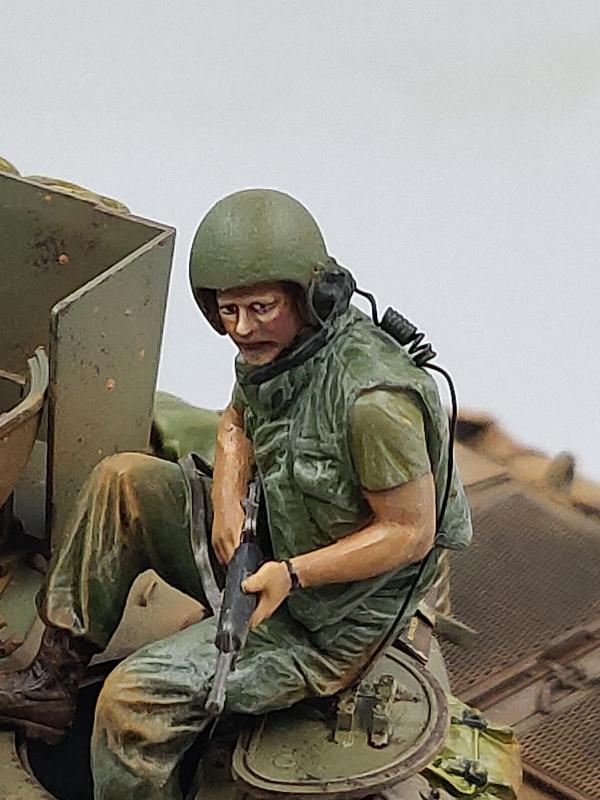 M551 SHERIDAN 1/35 Tamiya. Vietnam 1969 avec Diorama par THIMARIE - Page 5 Img_5608
