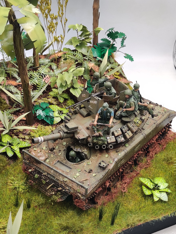 M551 SHERIDAN 1/35 Tamiya. Vietnam 1969 avec Diorama par THIMARIE - Page 7 Img_5799