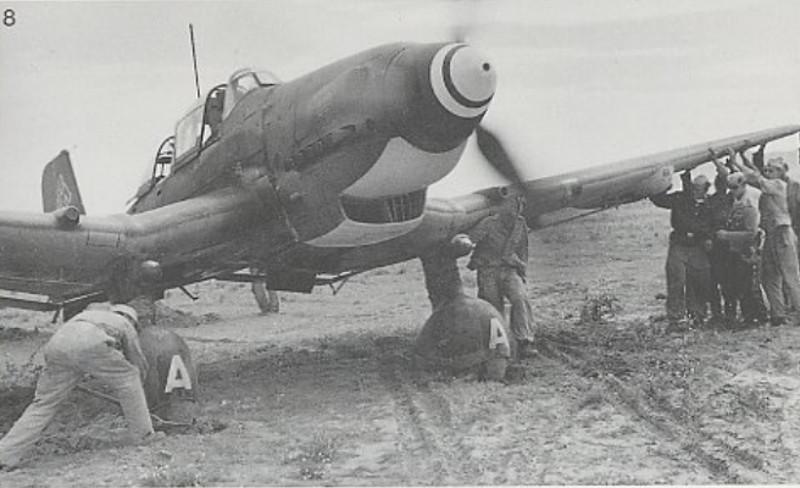 Junker Ju 87-A Stuka 1/24 - Page 13 Stuka_10
