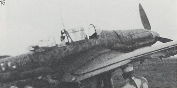 Junker Ju 87-A Stuka 1/24 - Page 13 Stuka_11