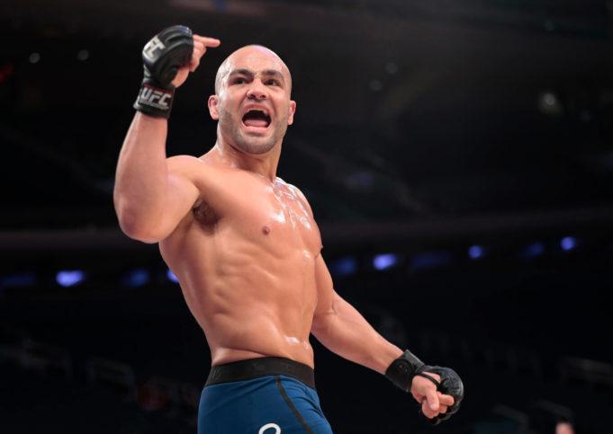 Eddie Álvarez firma por ONE Championship. 74158710