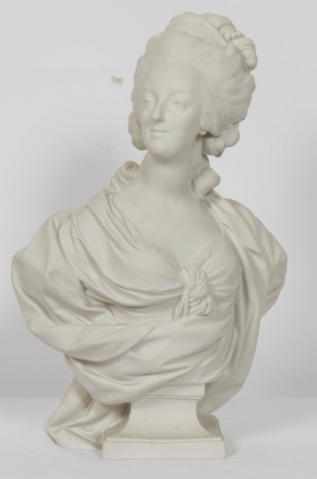 A vendre: bustes Marie Antoinette - Page 10 15571210