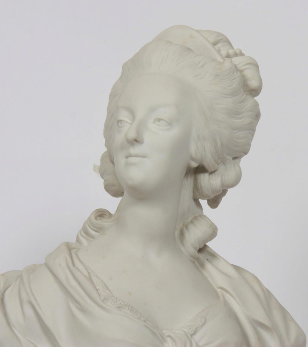 A vendre: bustes Marie Antoinette - Page 10 15571310