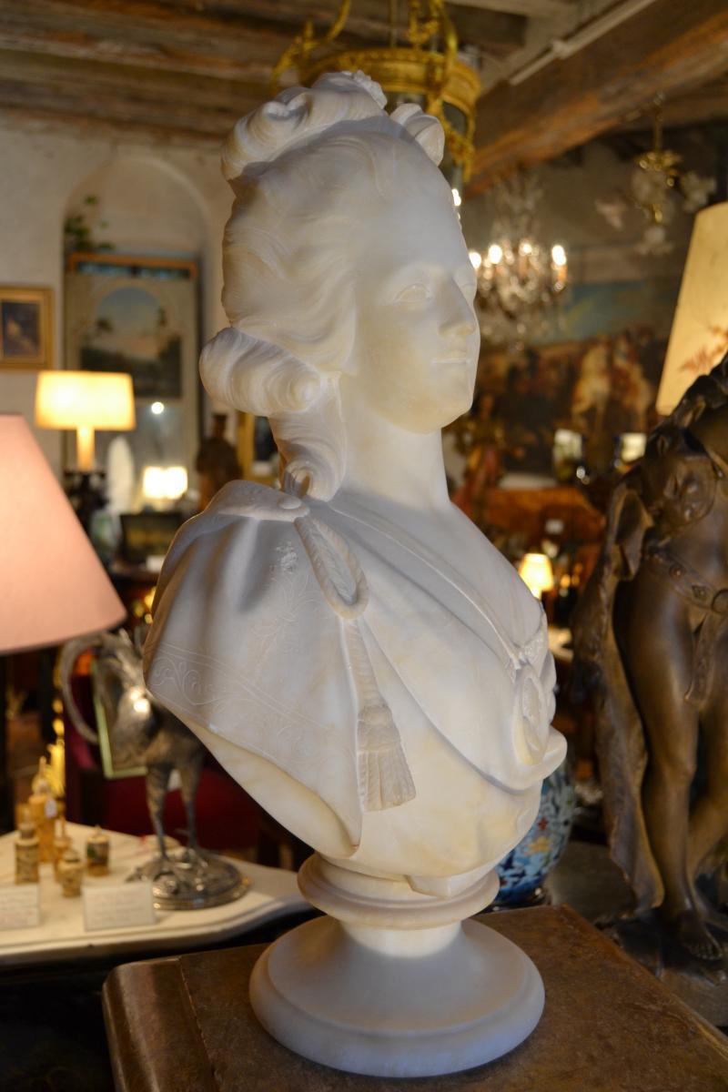 A vendre: bustes Marie Antoinette - Page 9 42065711