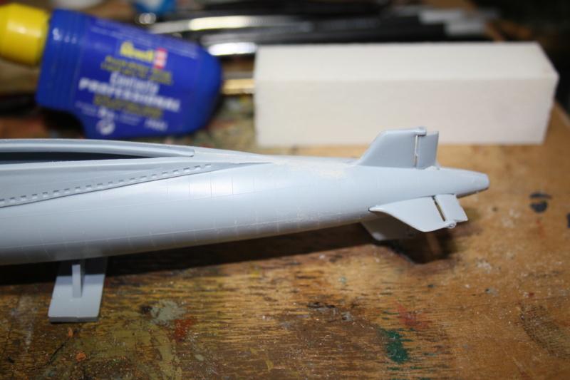Sous-marin nucléaire lanceur d engins SNLE REDOUTABLE HELLER Réf  KIT 71241 Le_red13