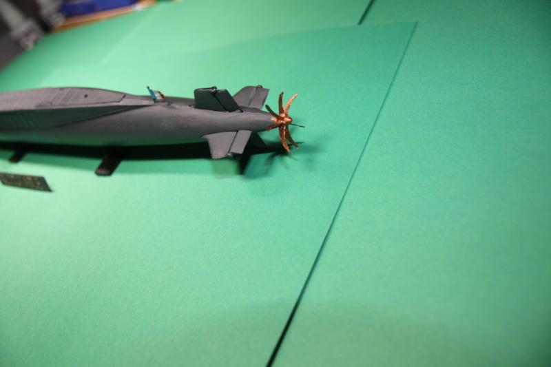 Sous-marin nucléaire lanceur d engins SNLE REDOUTABLE HELLER Réf  KIT 71241 Le_red19