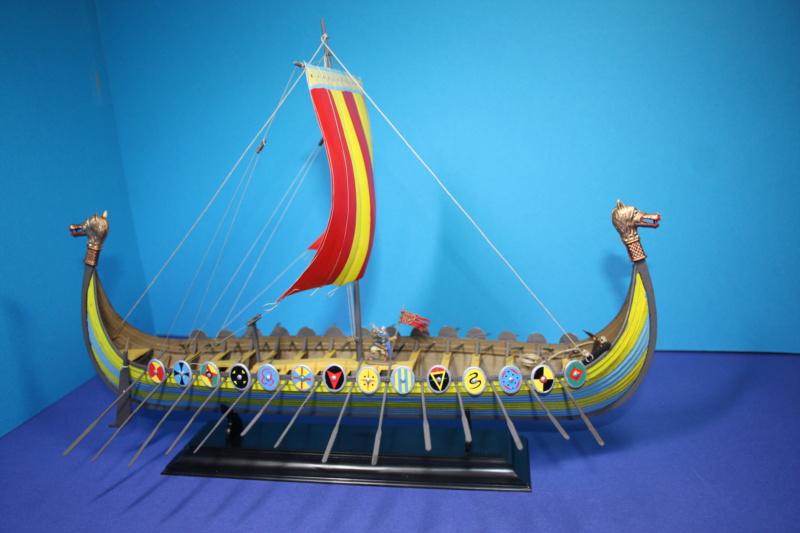 """Navire viking """" Reine Mathilde """" 1/60  ref 890 HELLER Reine_32"""