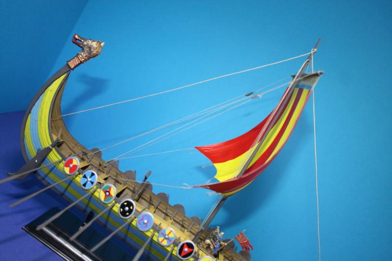 """Navire viking """" Reine Mathilde """" 1/60  ref 890 HELLER Reine_37"""