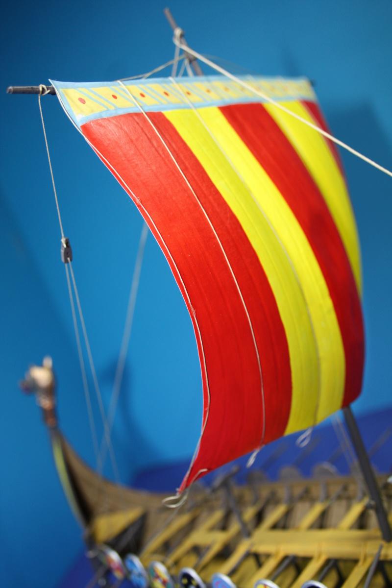 """Navire viking """" Reine Mathilde """" 1/60  ref 890 HELLER Reine_40"""