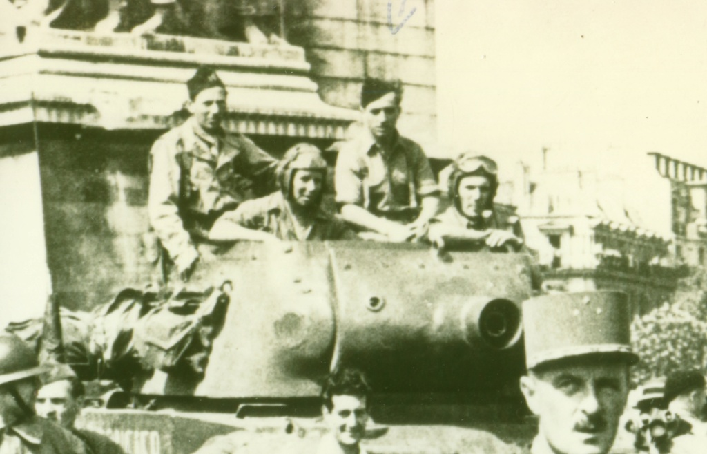 lot photos liberation paris datée 26 aout  et 29 sept 1944 La_lib10