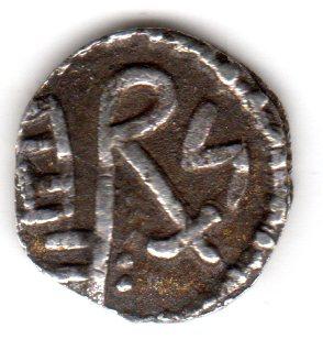 identification monnaie qui semble mérovingienne. Denier10